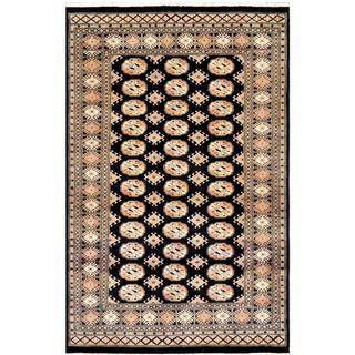 Handmade Pakistani Bokhara Black/ Ivory Wool Rug - 4'1 x 6'3 (Pakistan)