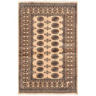 Handmade Herat Oriental Pakistani Bokhara Wool Rug (Pakistan) - 4'1 x 6'2