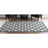 Linon Foundation Collection Black Monocco Reversible Rug (5' x 8')