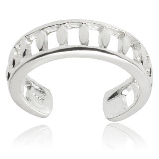 Journee Collection Sterling Silver Adjustable Cut-out Toe Ring