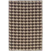 Linon Foundation Brown/ Beige Houndstooth Reversible Wool Rug (5' x 8') - 5' x 8'