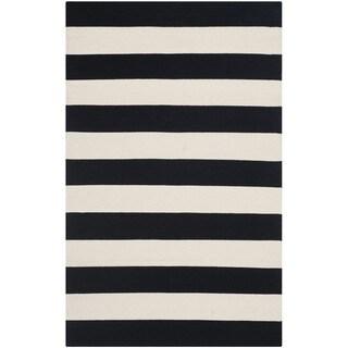 "Safavieh Montauk Hand-Woven Flatweave Black/ Ivory Stripe Cotton Rug - 2'-6"" X 4'"