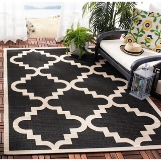 Safavieh Courtyard Moroccan Black/ Off-White Indoor/ Outdoor Rug (4' x 5'7)