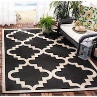 Safavieh Courtyard Moroccan Black/ Off-White Indoor/ Outdoor Rug (4' x 5'7) - 4' x 5'7