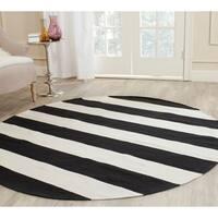 Safavieh Montauk Hand-Woven Flatweave Black/ Ivory Stripe Cotton Rug - 6' X 6' Round