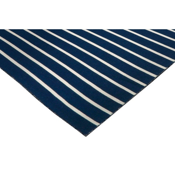 Tailored Outdoor Rug - 7'6 x 9'6