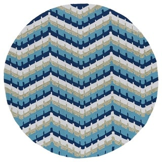 Fiesta Round Blue Chevron Indoor/ Outdoor Rug (7'9)