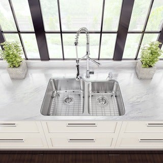 Vigo All-in-one 32-inch Stainless Steel Kitchen Sink and Chrome Faucet Set