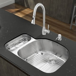 VIGO All-in-One 32-inch Stainless Steel Undermount Kitchen Sink and Aylesbury Stainless Steel Faucet Set