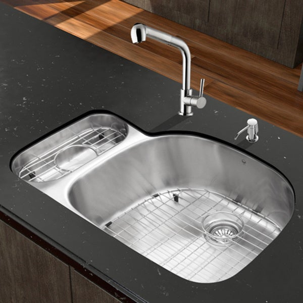 VIGO All-in-One 32-inch Stainless Steel Undermount Kitchen Sink and Avondale Stainless Steel Faucet Set