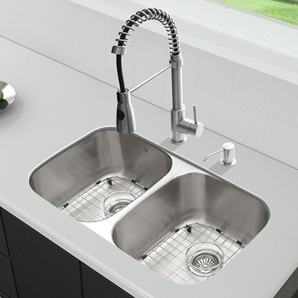 VIGO All-in-One 32-inch Stainless Steel Undermount Kitchen Sink and Brant Stainless Steel Faucet Set