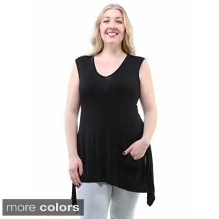 24/7 Comfort Apparel Women's Plus Size Sleeveless Sharkbite Top