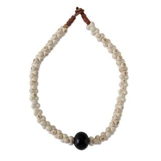 Handmade Agate 'Blessing' Horn Necklace (Ghana)
