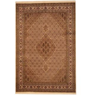 Herat Oriental Indo Hand-knotted Tabriz Ivory/ Green Silk and Wool Rug (5'6 x 8'3)