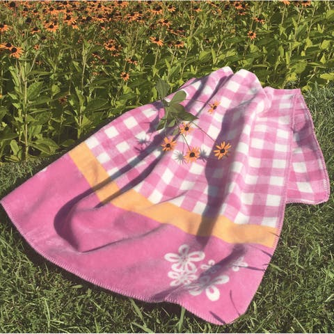 IBENA Pink Gingham Children's Blanket