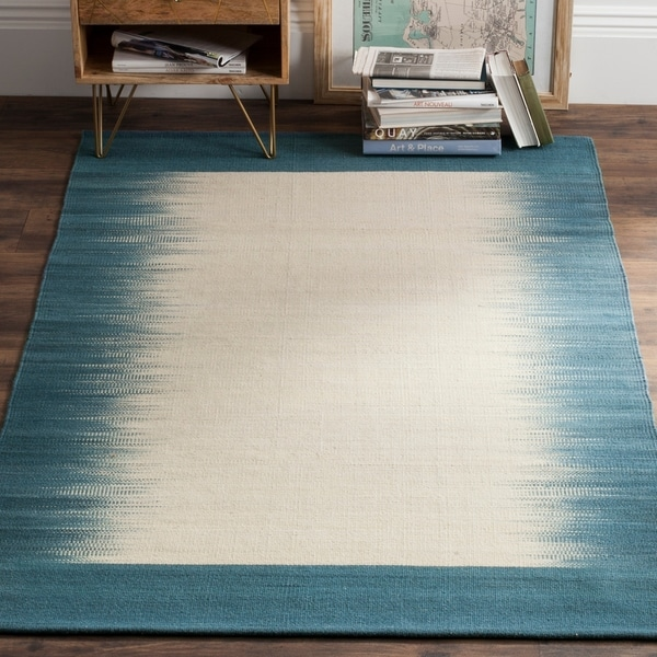 Safavieh Hand-knotted Kilim Beige/ Light Blue Wool Rug - 8' x 10'