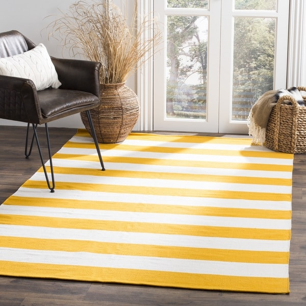 safavieh hand woven montauk yellow white cotton rug 5 39 x 8 39 free shipping today overstock. Black Bedroom Furniture Sets. Home Design Ideas