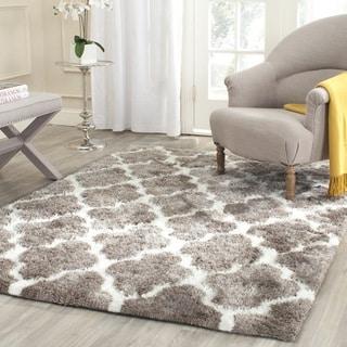 Safavieh Handmade Barcelona Shag Silver/ White Trellis Polyester Rug (5' Square)