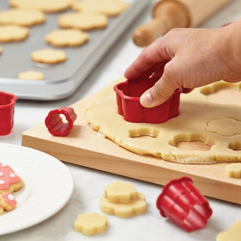 Cake Boss Red Decorating Tools 8-Piece Nylon Daisy Fondant and Cookie Cutter Set