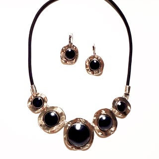Pavcus Designs Black and Silver Hammered Necklace and Earring Set