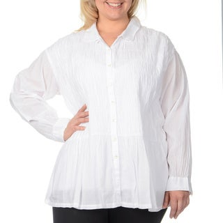 La Cera Women's Plus-size White Puckered Button-up Top