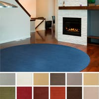 Hand-loomed Brinson Solid Casual Wool Round Area Rug - 9'9 Round
