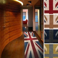Hand-tufted Union Jack Novelty Runner Area Rug