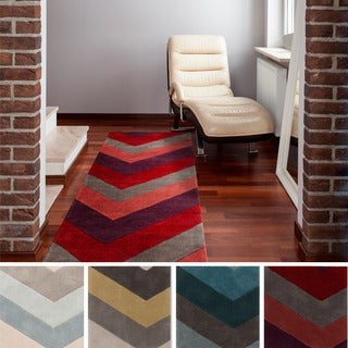 Hand-tufted Chevron Geometric Contemporary Runner Rug (2'6 x 8')