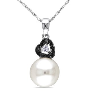 Miadora 10k White Gold White Cultured Freshwater Pearl and 1/10ct TDW Diamond Necklace (9-9.5 mm)