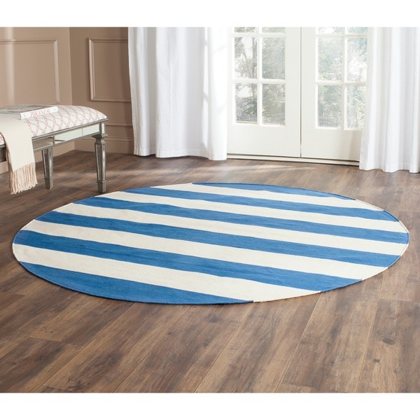 Blue And White Circle Rug: Safavieh Hand-woven Montauk Blue/ White Cotton Rug