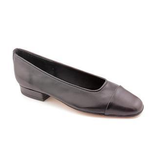 Vaneli Women's 'FC-313' Leather Dress Shoes - Extra Narrow (Size 9.5 )