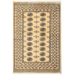 Herat Oriental Pakistani Hand-knotted Tribal Bokhara Wool Rug (4'1 x 6'2)