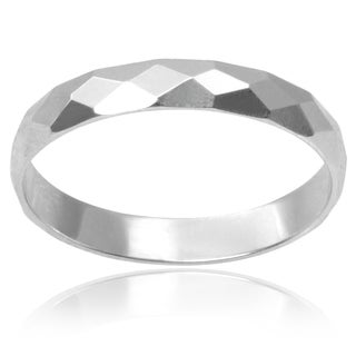 Journee Collection Sterling Silver Hammered Finish Band (3MM)