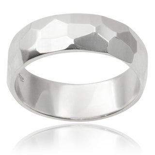 Journee Collection Sterling Silver Hammered Finish Band (6MM)