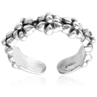 Journee Collection Sterling Silver Flower Toe Ring