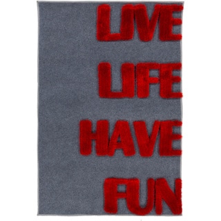 Pepper Hand-woven Live Laugh Shag Area Rug (4' x 6')