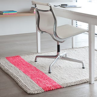 Pepper Hand-woven Pink Braided Area Rug - 4' x 6'
