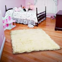 Linon Flokati Heavy Natural Rug (2' x 5')
