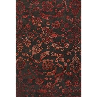 Grand Bazaar Tufted Wool Pile Beloha Rug in Chocolate/ Red (5' x 8')