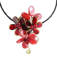 Handmade Floral Passion Elegant Red Mother Of Pearl Choker (Thailand)