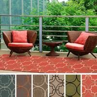 Hand-hooked Dolly Geometric Indoor/ Outdoor Area Rug