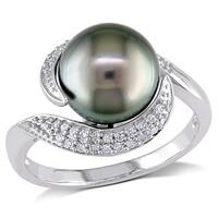 Miadora 10k White Gold Tahitian Pearl and 1/6ct TDW Diamond Ring (H-I, I2-I3) (9-9.5 mm)