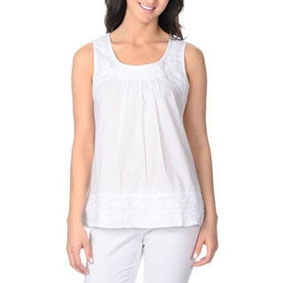 La Cera Women's White Embroidered Sleeveless Top
