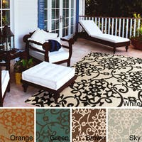 Hand-Hooked Kiera Transitional Floral Indoor/ Outdoor Area Rug - 5' x 8'