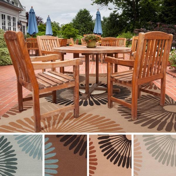Hand-Hooked Gretchen Contemporary Geometric Indoor/ Outdoor Area Rug (5' x 8')