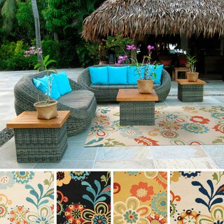 Hand-Hooked Kim Transitional Floral Indoor/ Outdoor Area Rug (5' x 7'6)