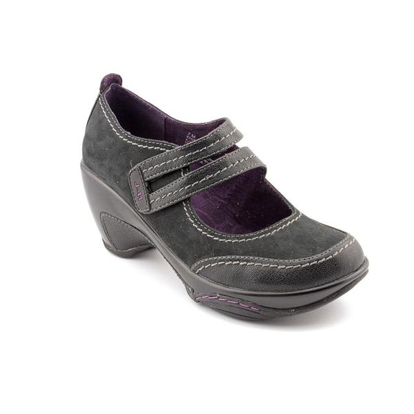J  Adventure On Women S Shoes