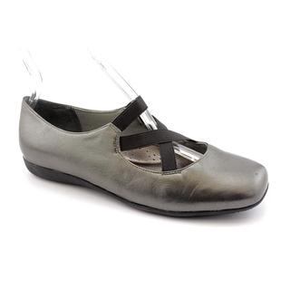 Trotters Women's 'Seeker' Leather Casual Shoes (Size 6.5 )