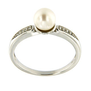 Sterling Silver White Freshwater Pearl and Bead-set White Topaz Ring (6.5 mm)