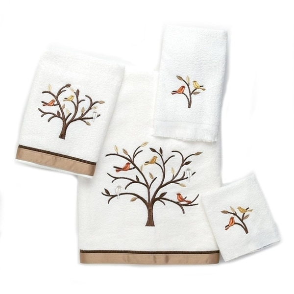 Avanti Friendly Gathering White Embellished 4-piece Towel Set